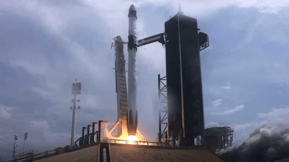 'Crew Dragon' uzay mekiği Uluslararası Uzay Üssü'ne ulaştı