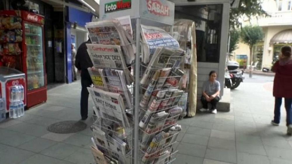 Gazete tirajları hızla düşüyor. Sorun dijital medya mı, yandaşlık mı?