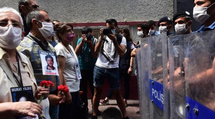 Cumartesi Anneleri'nin 800. haftasında polis engeli