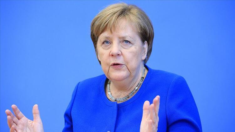 Merkel: Türkiye için tutarlı bir stratejiye ihtiyaç var