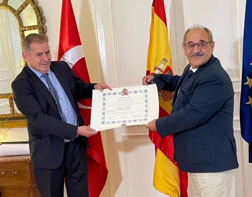 Doğan Tılıç'a İspanya Liyakat Nişanı verildi